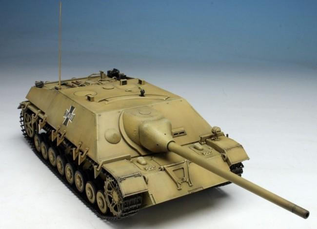 Platz 1/35 Girls und Panzer IV Destroyer Tank/70 (V) Lang